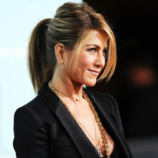 evolution-coiffure-de-Jennifer-Aniston