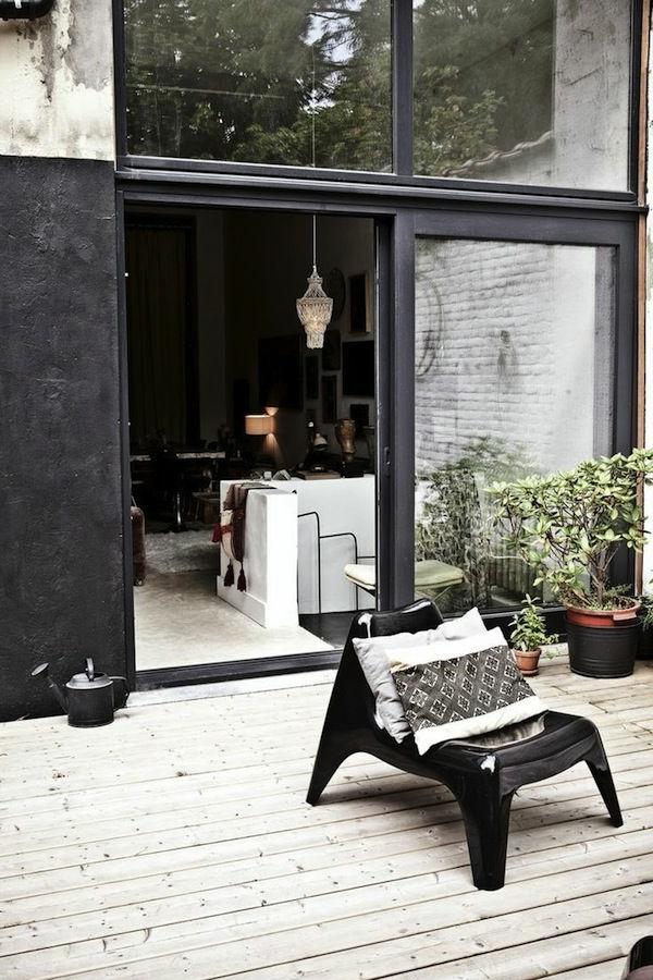 fauteuil-papillon-noir-extérieur