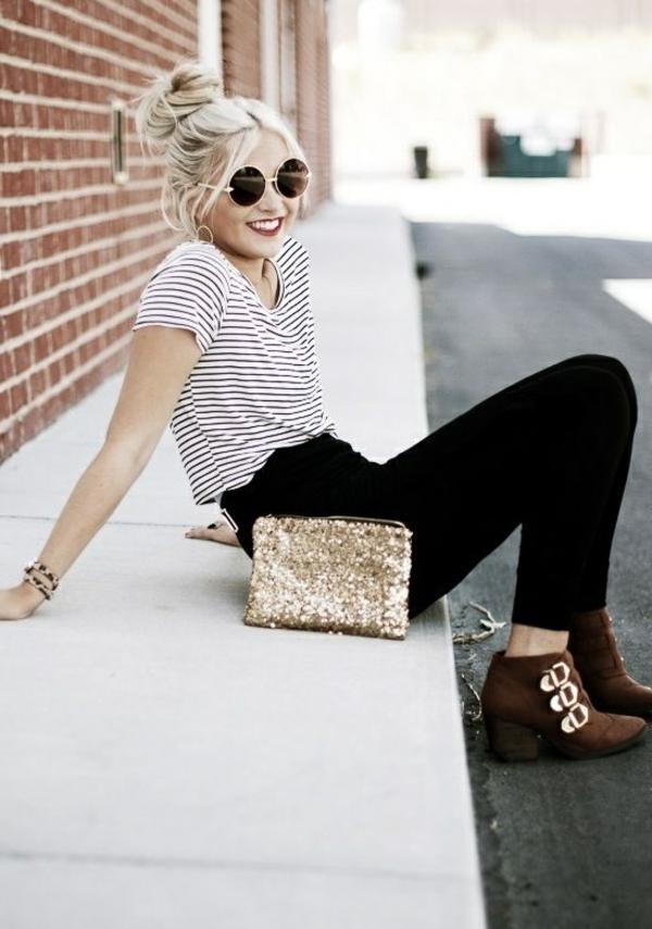 femme-blonde-tenue-du-jour-vintage