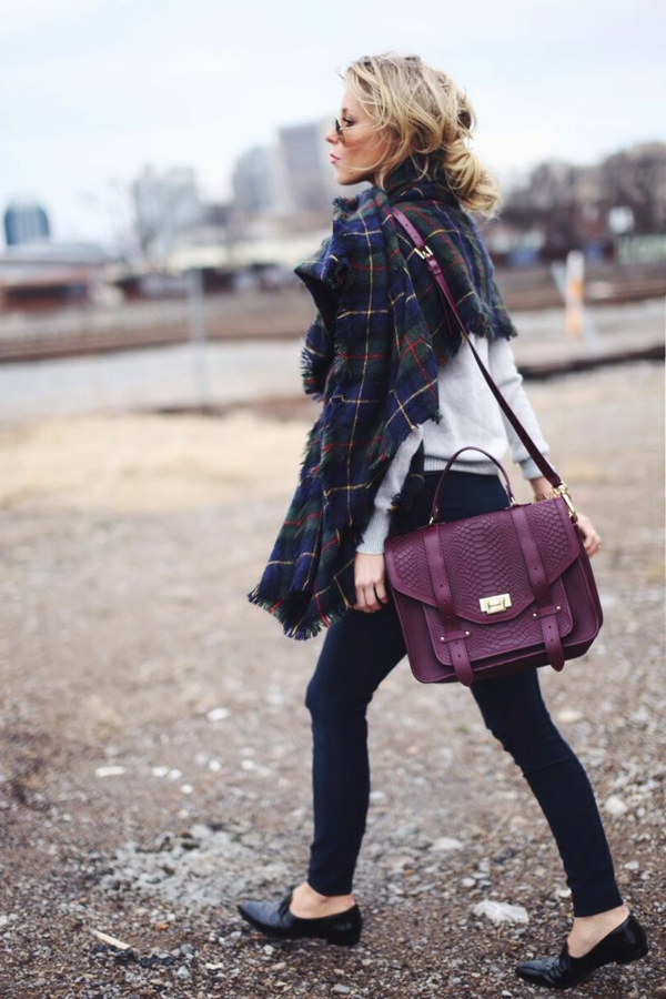 femme-mode-sac-à-main-violet