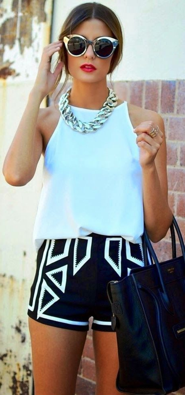 femme-moderne-lunettes-de-soleil