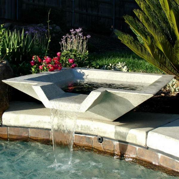 fontaine-pour-bassin-joli-bassin-extérieur
