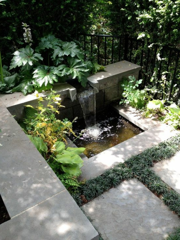 d coration de jardin avec une fontaine pour bassin. Black Bedroom Furniture Sets. Home Design Ideas