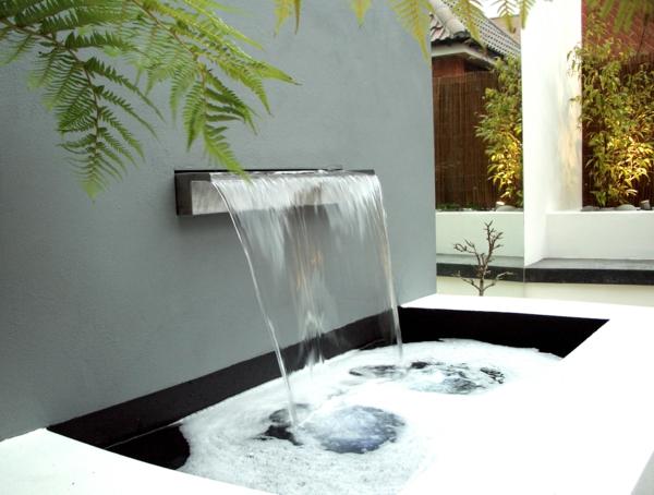 D coration de jardin avec une fontaine pour bassin - Fontaine murale exterieure design ...