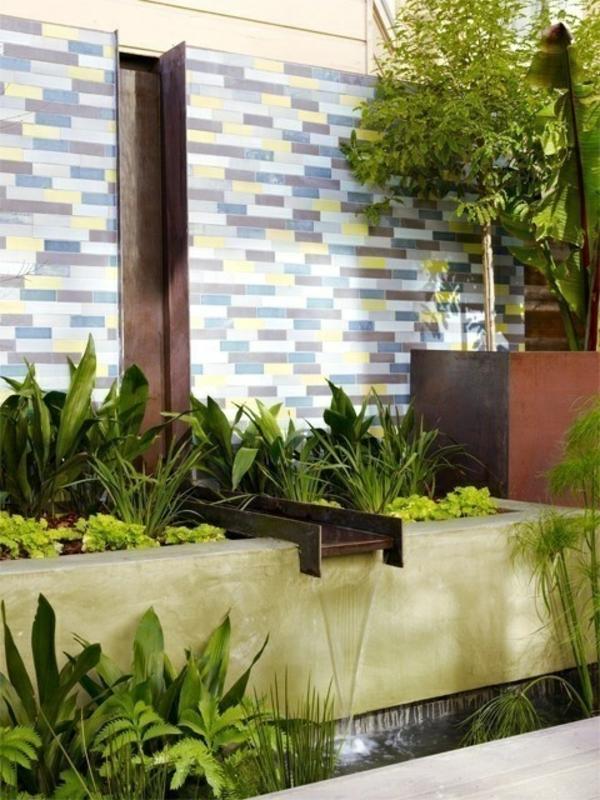 fontaine-pour-bassin-une-fontaine-stylée-pour-l'extérieur
