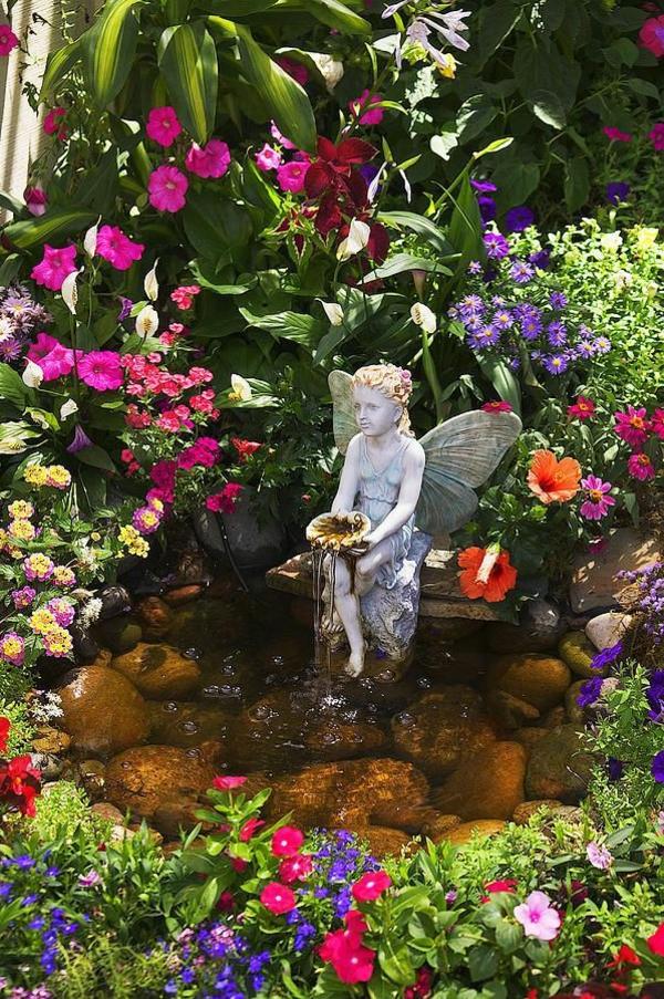 fontaine-pour-bassin-une-sculpture-et-plusieurs-magnifiques