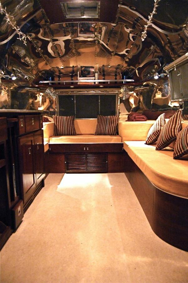 fourgon-aménagé-luxe-style-rustique