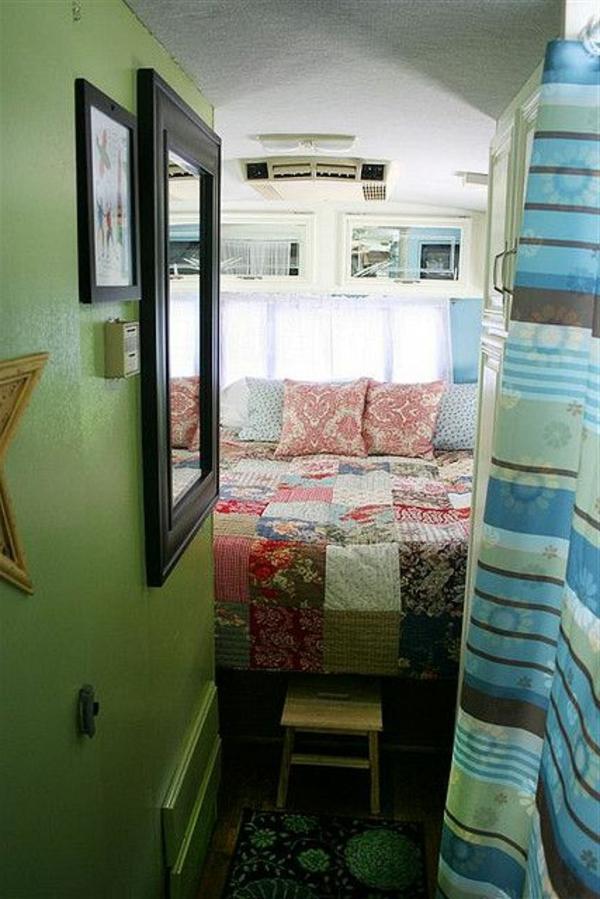 fourgon-intérieur-camping