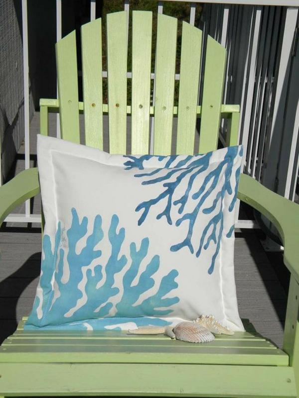 idée-original-coussin-blanc-bleu
