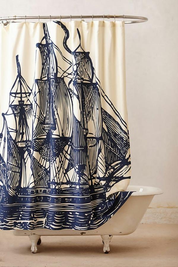 idée-originale-rideau-douche-bateau