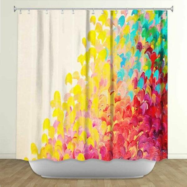 idée-rideau-coloré-comment-décorer-la-bain-rideaux-douche