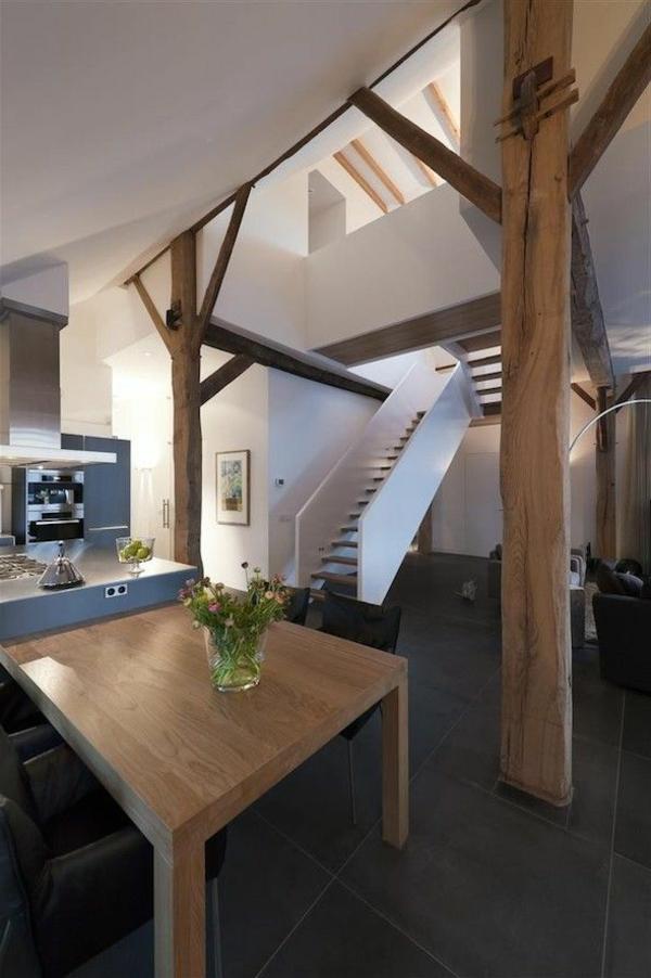 intérieur-salle-de-séjour-rénover-salon-escalier