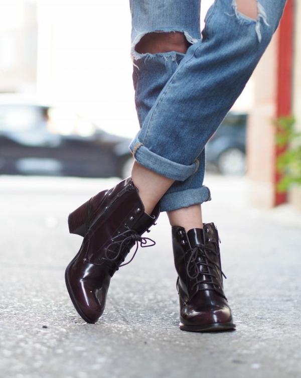 jean-déchiré-troué-chaussures-noires