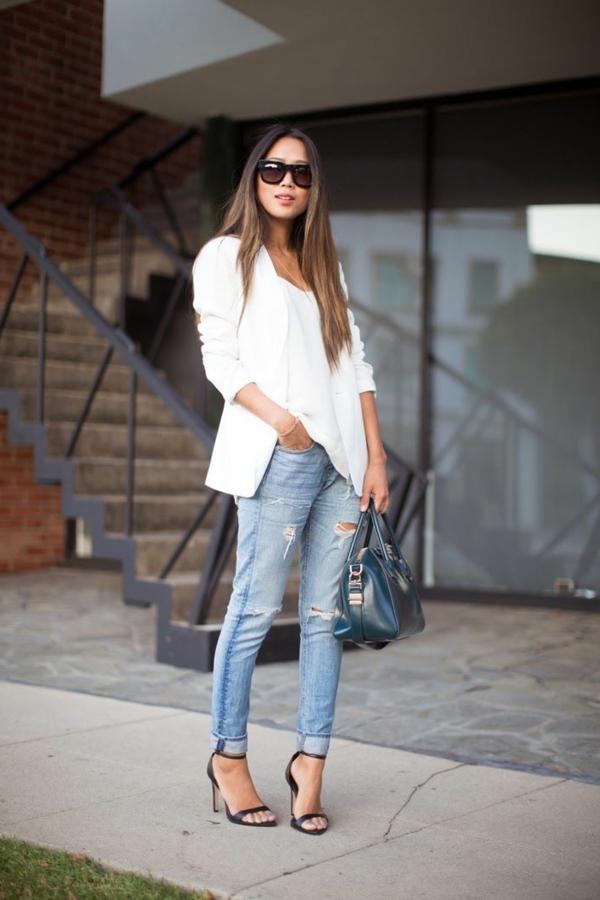 jean-troué-bleu-femme-moderne