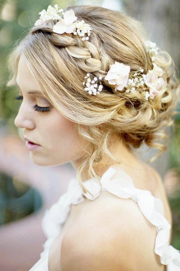 joli-accessoire-cheveux-mariage-coiffure-mi-longue