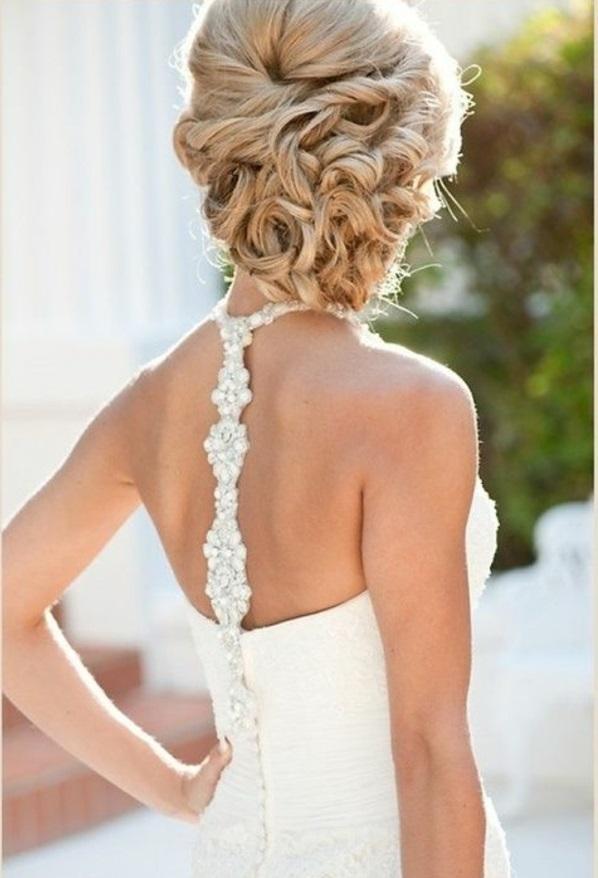 jolie-coiffure-cheveux-mi-long-mariage-robe-de-mariée