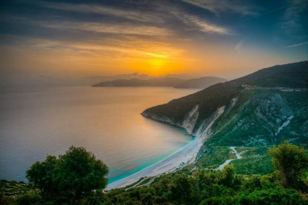 jolie-image-soleil-couchant-destination-de-vacances