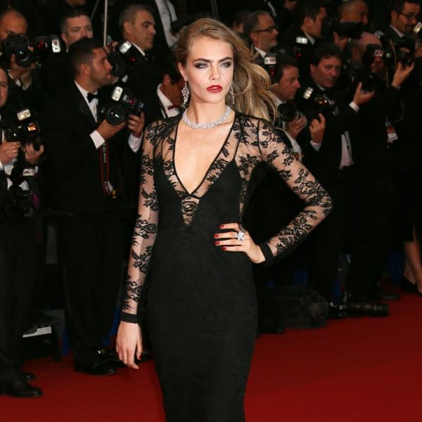 jolie-sur-le-tapis-rouge-miranda-jolie-avec-robe-noire