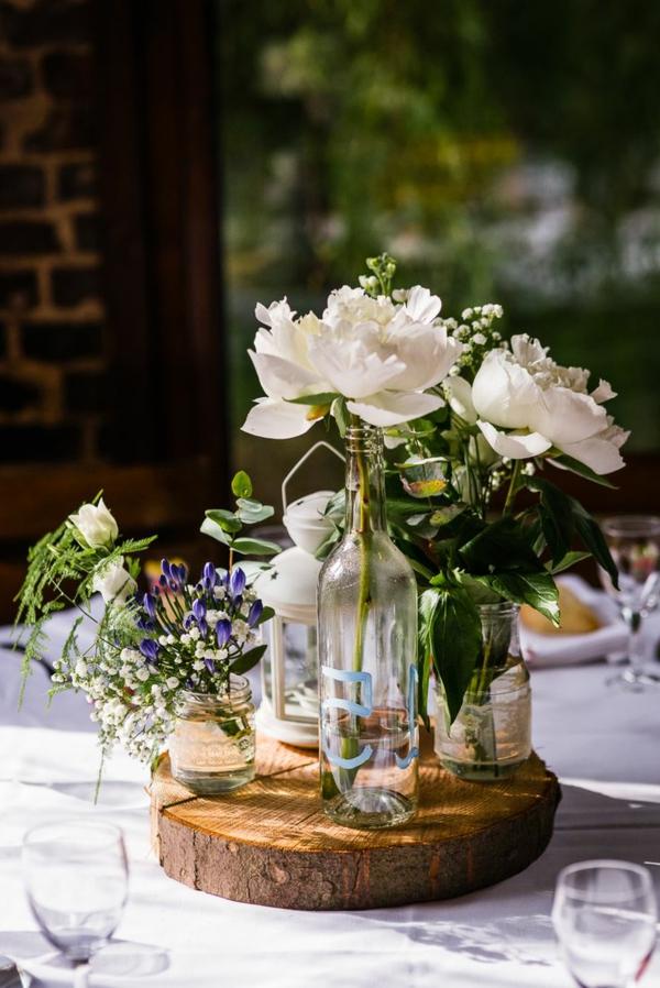 la-déco-de-mariage-fleurs-idée-créative-decoration-blanche