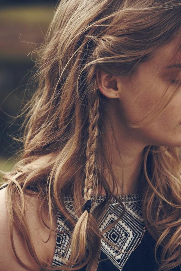 la-triere-chic-et-boheme-style-des-cheveux-hippie