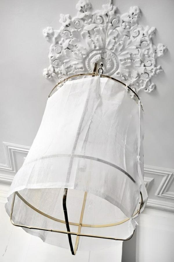 lampe-suspendue-blanche-tissu