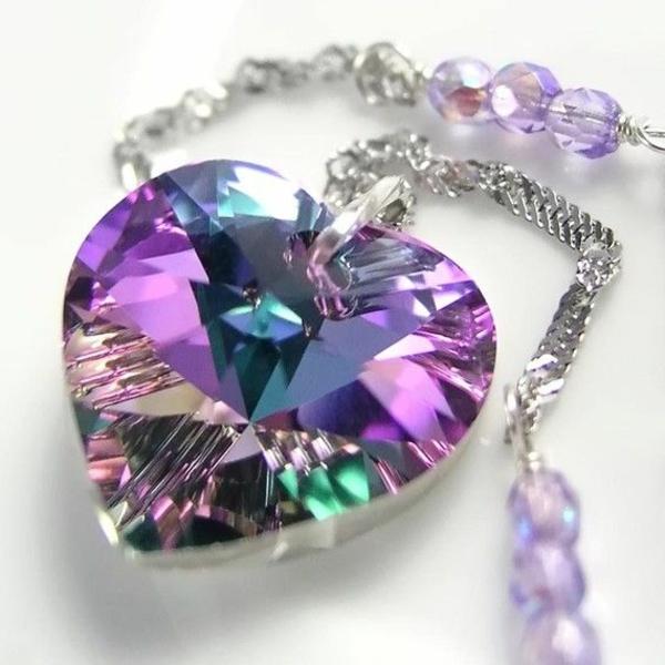 le-collier-moderne-cristal-Swarovski-bijoux-forme-coeur