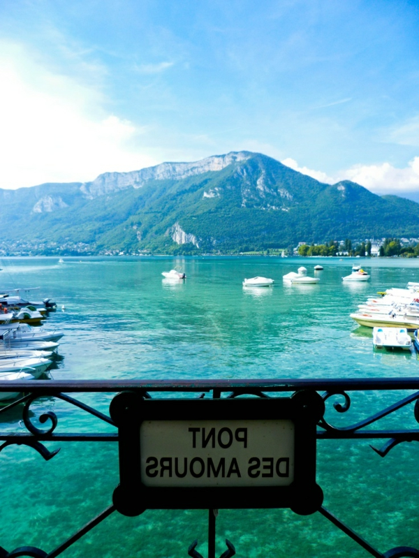 le-lac-annecy-france