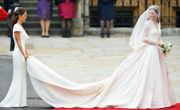 le-mariage-royal-kate-middleton-robe-de-mariée-robe-de-princesse-resized