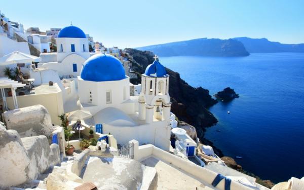 les-Vacances-à-Santorin-Grèce-mer-egée-le-jour-mer-soleil