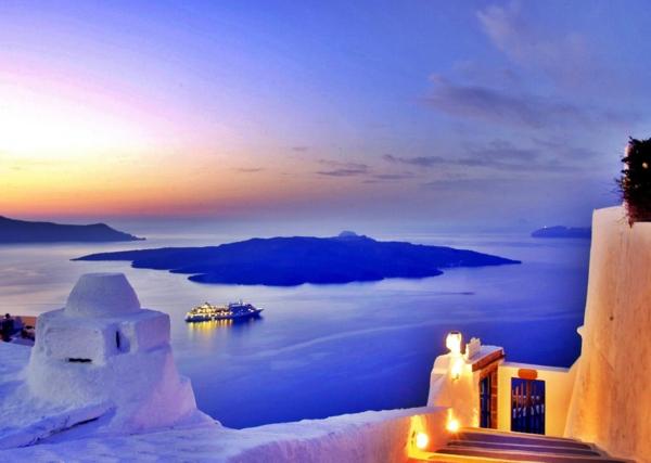 les-Vacances-à-Santorin-Grèce-mer-egée