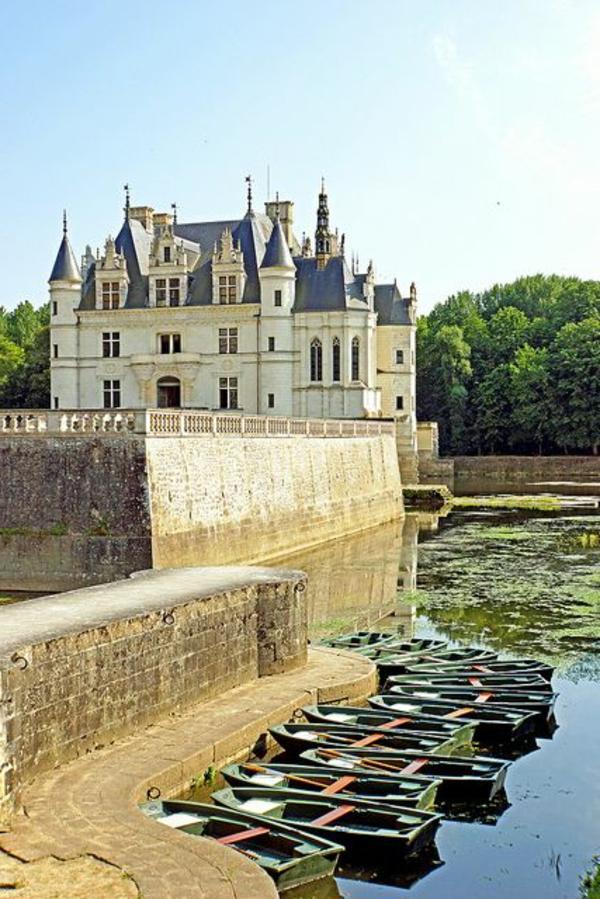 les-châteaux-de-la-Loire-un-petit-port