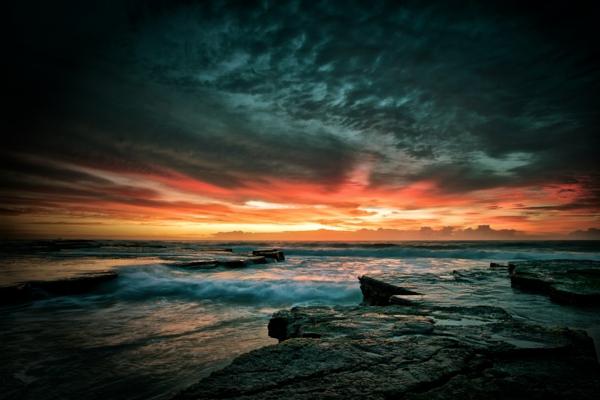 les-destinations-les-plus-belles-couche-du-soleil-sombre