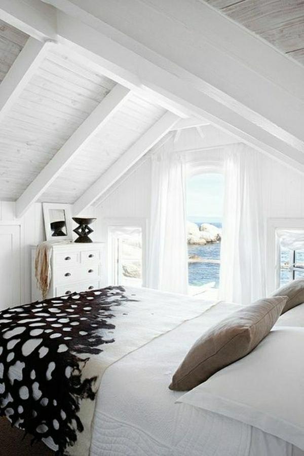 linge-de-lit-blanc-noir-élégant