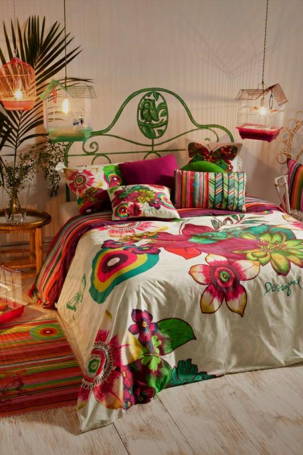 linge-de-lit-coloré-fleurs