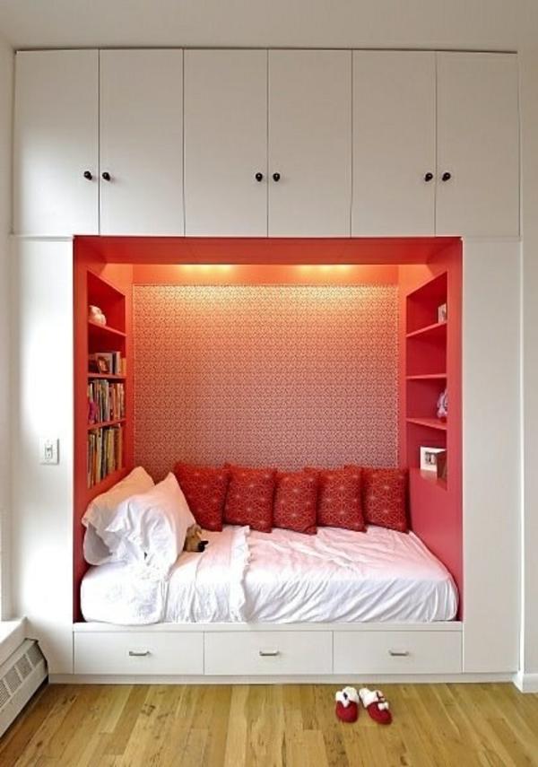 lit-rouge-petit-chambre