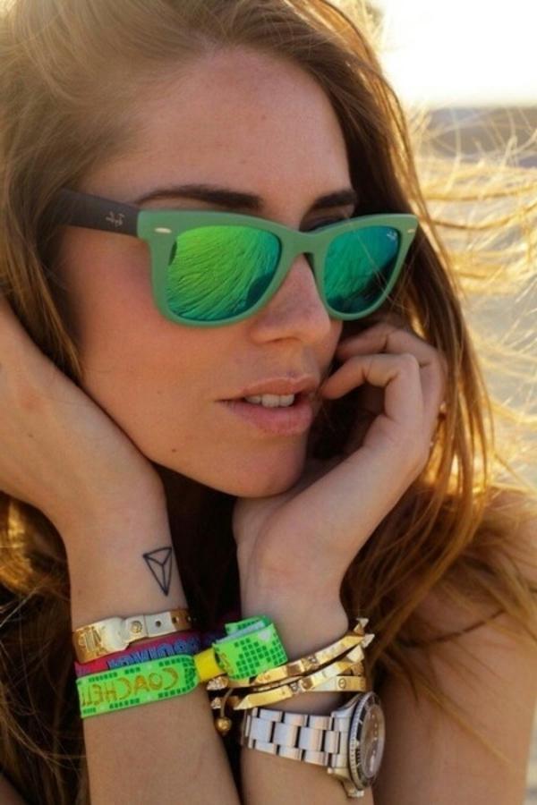 lunettes-de-soleil-plage-femme