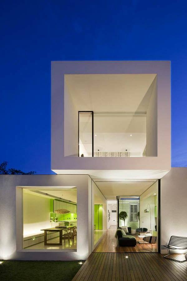 maison cubique blanche