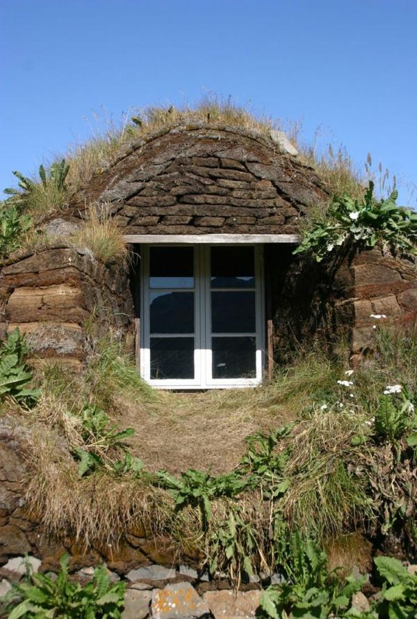 maison-de-hobbit-éco-gîtes-sous-sol