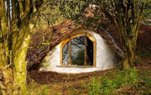 maison-de-hobbit-éco-habitations