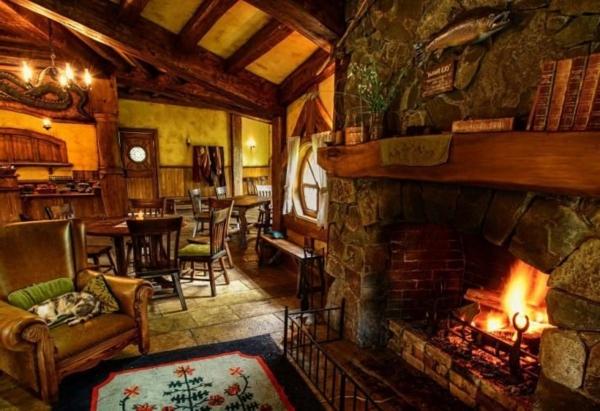 maison-de-hobbit-intérieur-cosy