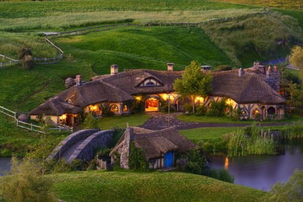 maison-de-hobbit-le-village-des-hobbits