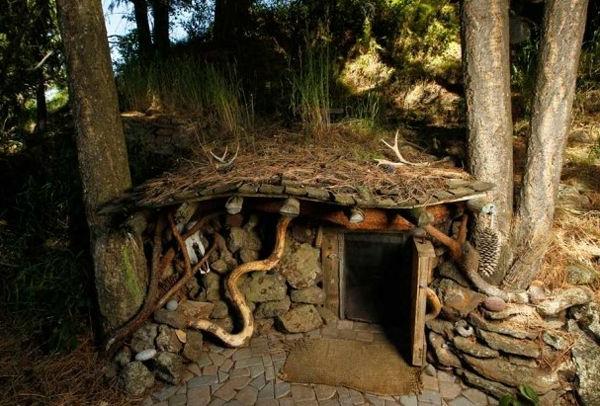 maison-de-hobbit-maisons-dans-les-arbres