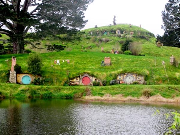 maison-de-hobbit-paysage-le-village-hobbiton