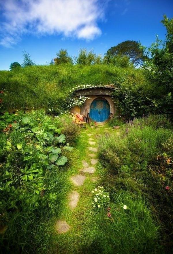 La maison de hobbit maisons uniques inspir es par le for Construire une maison de hobbit