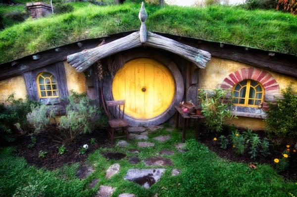 la maison de hobbit maisons uniques inspir es par le. Black Bedroom Furniture Sets. Home Design Ideas
