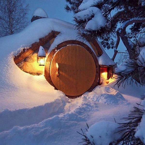 maison-de-hobbit-sous-la-neige