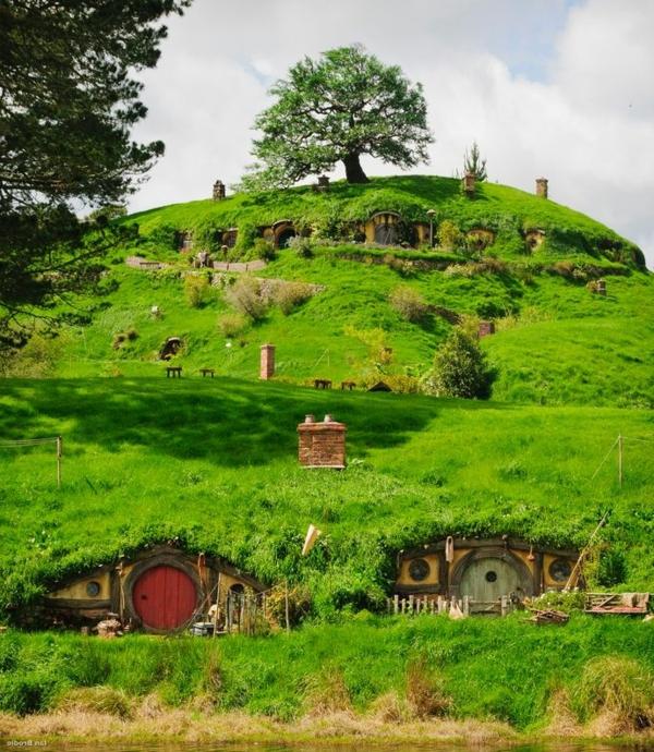 maison-de-hobbit-une-colline-verte-à-Hobbiton