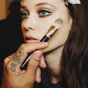 Le plus beau maquillage des yeux bleus en 60 photos!