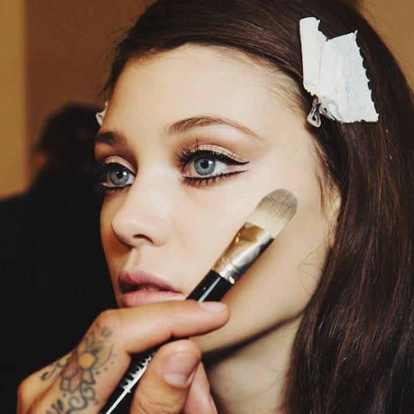 maquillage-des-yeux-bleus-comment