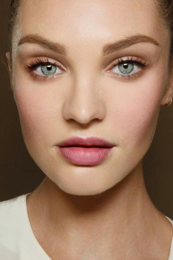 maquillage-des-yeux-bleus-porté-star